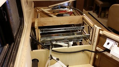 Click image for larger version  Name:03 2901's counter top  held the cabinets together and needed reinforcing.jpg Views:5 Size:227.2 KB ID:315770