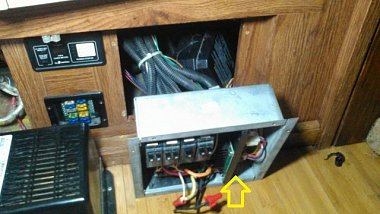 Click image for larger version  Name:Maxs power panel.jpg Views:7 Size:88.9 KB ID:316419