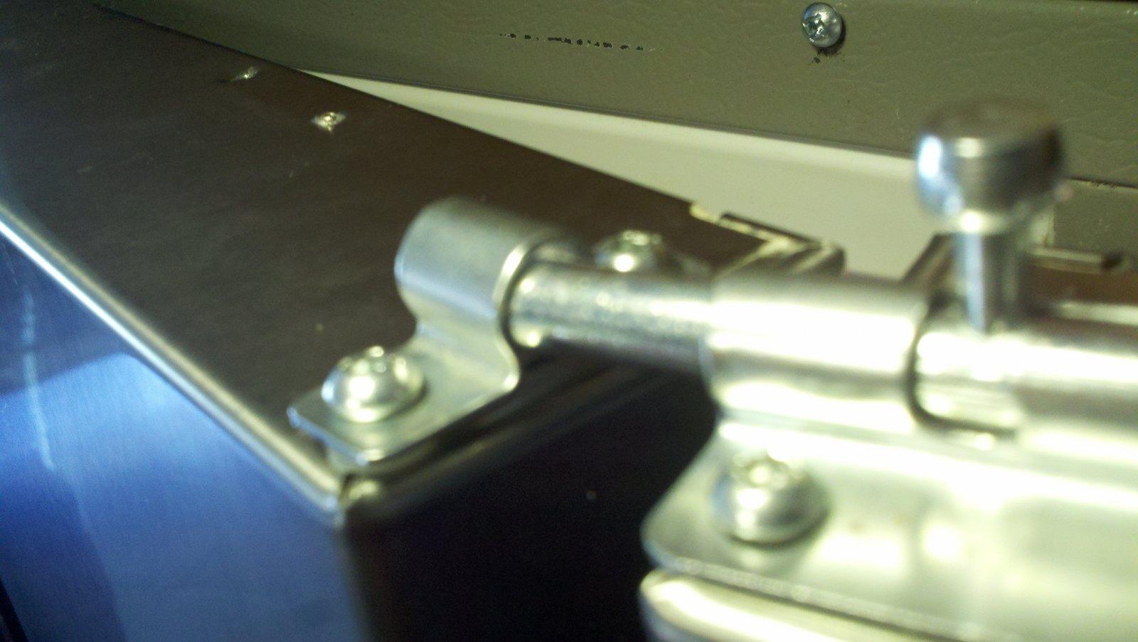 Click image for larger version  Name:fridge door latch 11-25-12.jpg Views:79 Size:143.8 KB ID:32175