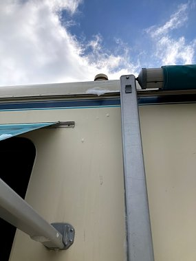 Click image for larger version  Name:suds-on-roof-vent.jpg Views:15 Size:57.2 KB ID:322229