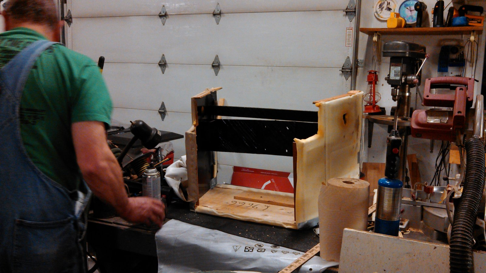Click image for larger version  Name:Cutting cabinet down.jpg Views:85 Size:238.5 KB ID:32227