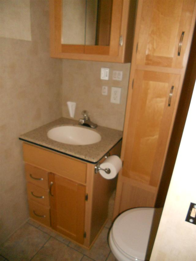 Click image for larger version  Name:Bathroom.jpg Views:160 Size:40.8 KB ID:32459