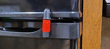 Click image for larger version  Name:Aftermarket door lock.jpg Views:17 Size:156.7 KB ID:325729