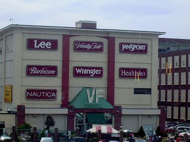 Click image for larger version  Name:6 Reading PA Malls .jpg Views:28 Size:281.2 KB ID:329729