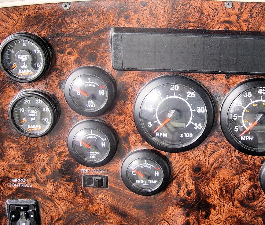 Click image for larger version  Name:gauges.jpg Views:65 Size:245.6 KB ID:3419