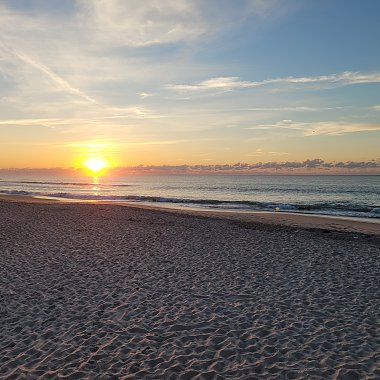 Click image for larger version  Name:sunrise Hatteras Isalnd Oct 1.jpg Views:5 Size:406.3 KB ID:344809