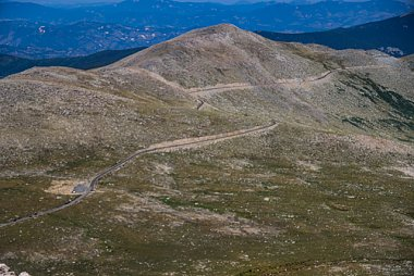 Click image for larger version  Name:Mt Evans Road.jpg Views:7 Size:278.4 KB ID:345770