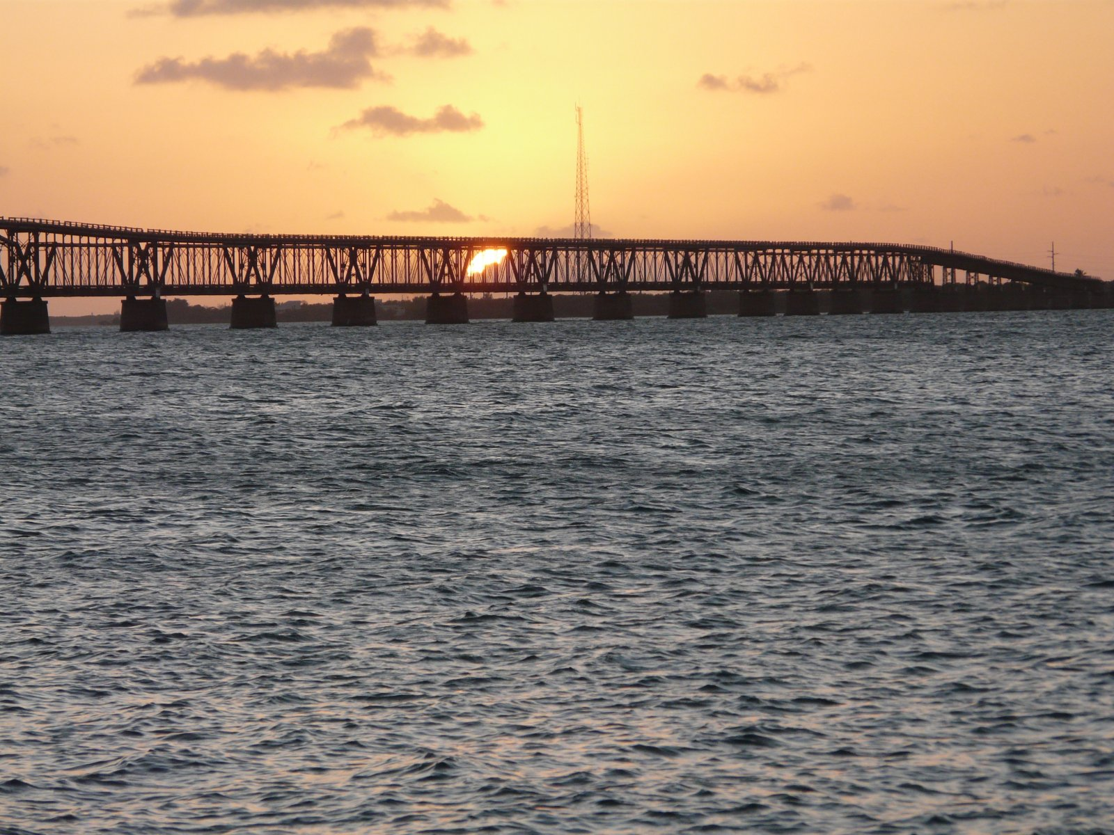 Click image for larger version  Name:BAHIA HONDA - FLA KEYS   NOV 09, 2011 11-2-2011 6-31-39 PM.jpg Views:124 Size:379.3 KB ID:36754