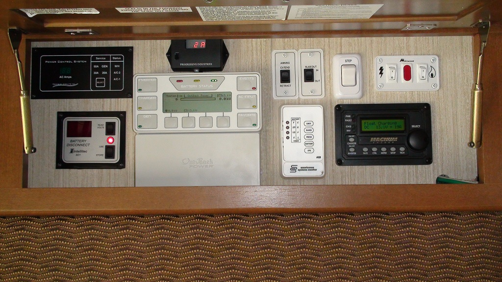 Click image for larger version  Name:06-new control panel.jpg Views:235 Size:268.9 KB ID:38663