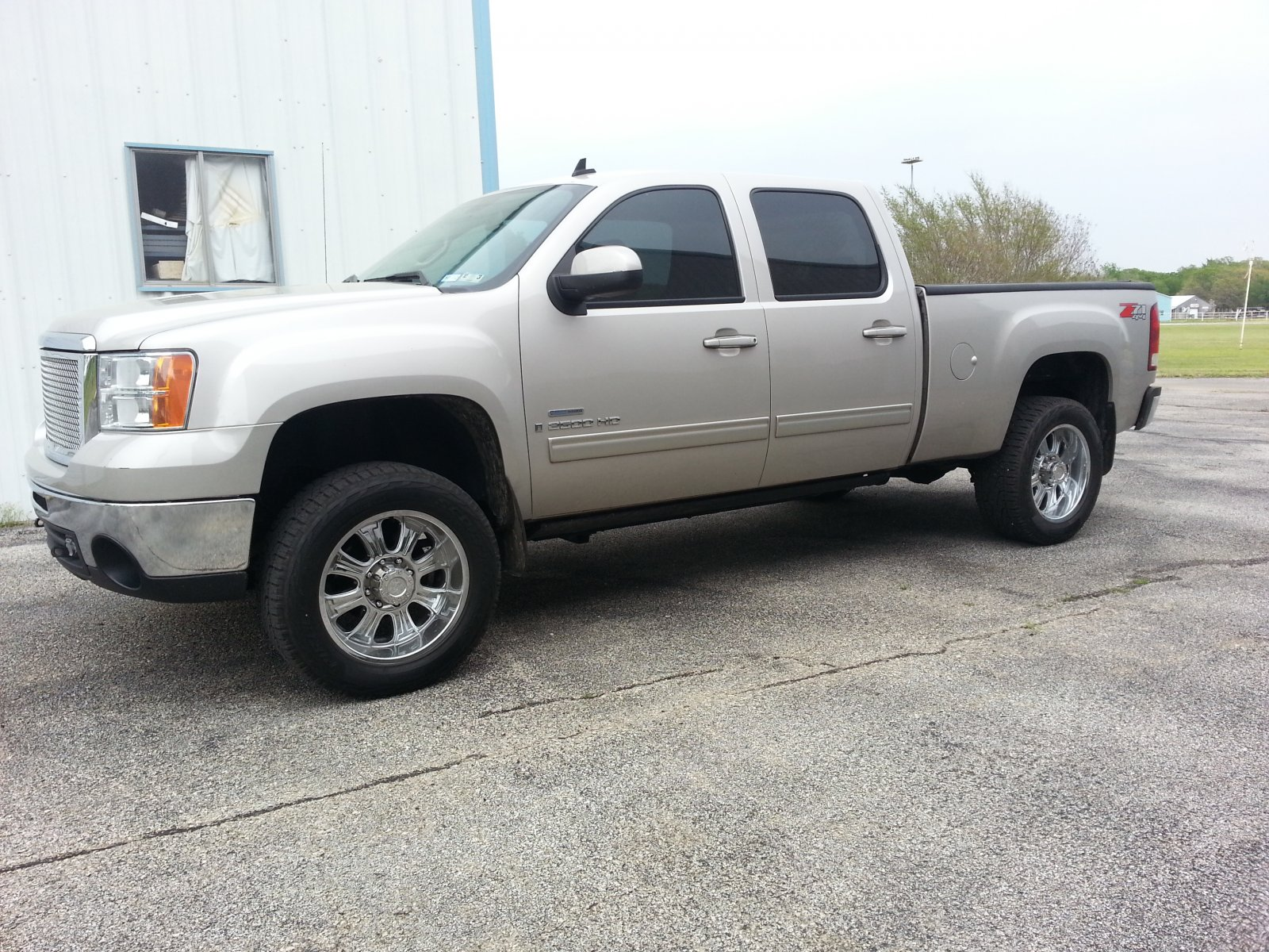 Click image for larger version  Name:08 GMC.jpg Views:43 Size:457.5 KB ID:39441