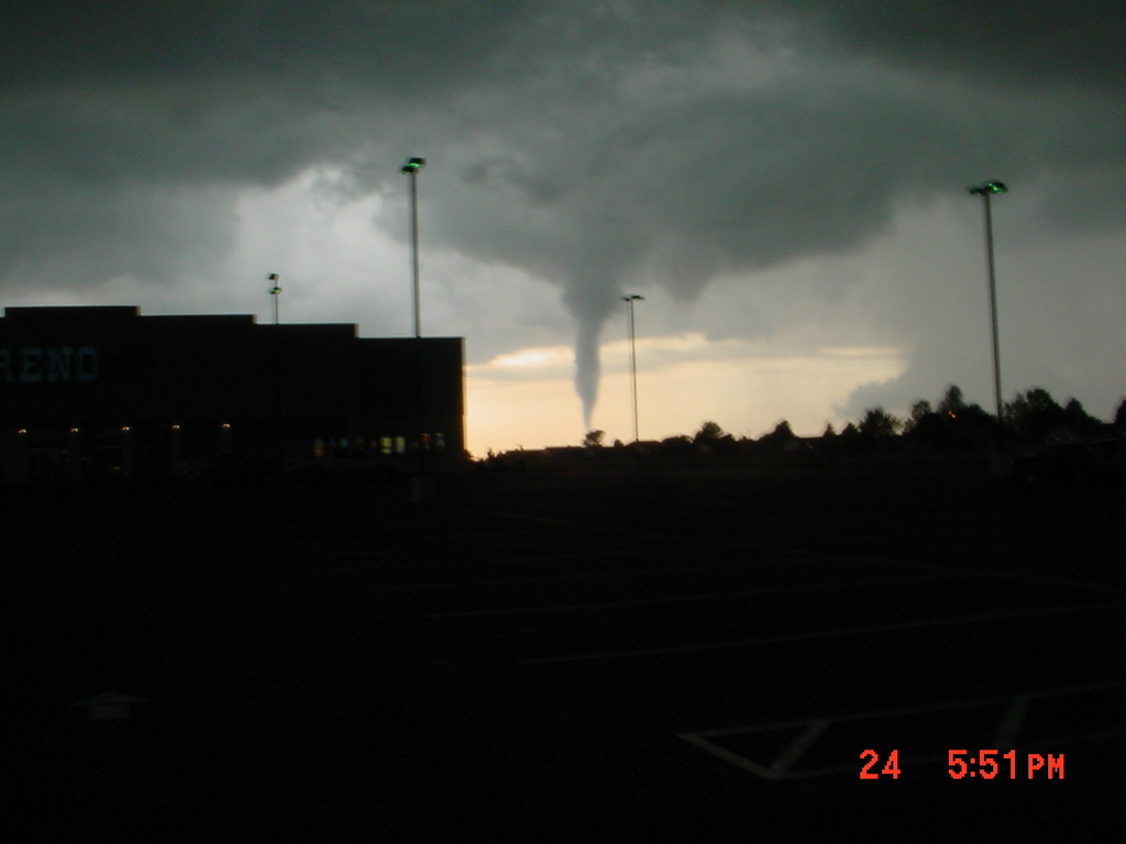 Click image for larger version  Name:oklahoma twisters 001.jpg Views:44 Size:287.6 KB ID:39532