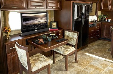 Click image for larger version  Name:Luxury-Gas-Powered-Class-A-Motorhomes-2013-37GT.jpg Views:87 Size:110.2 KB ID:39567
