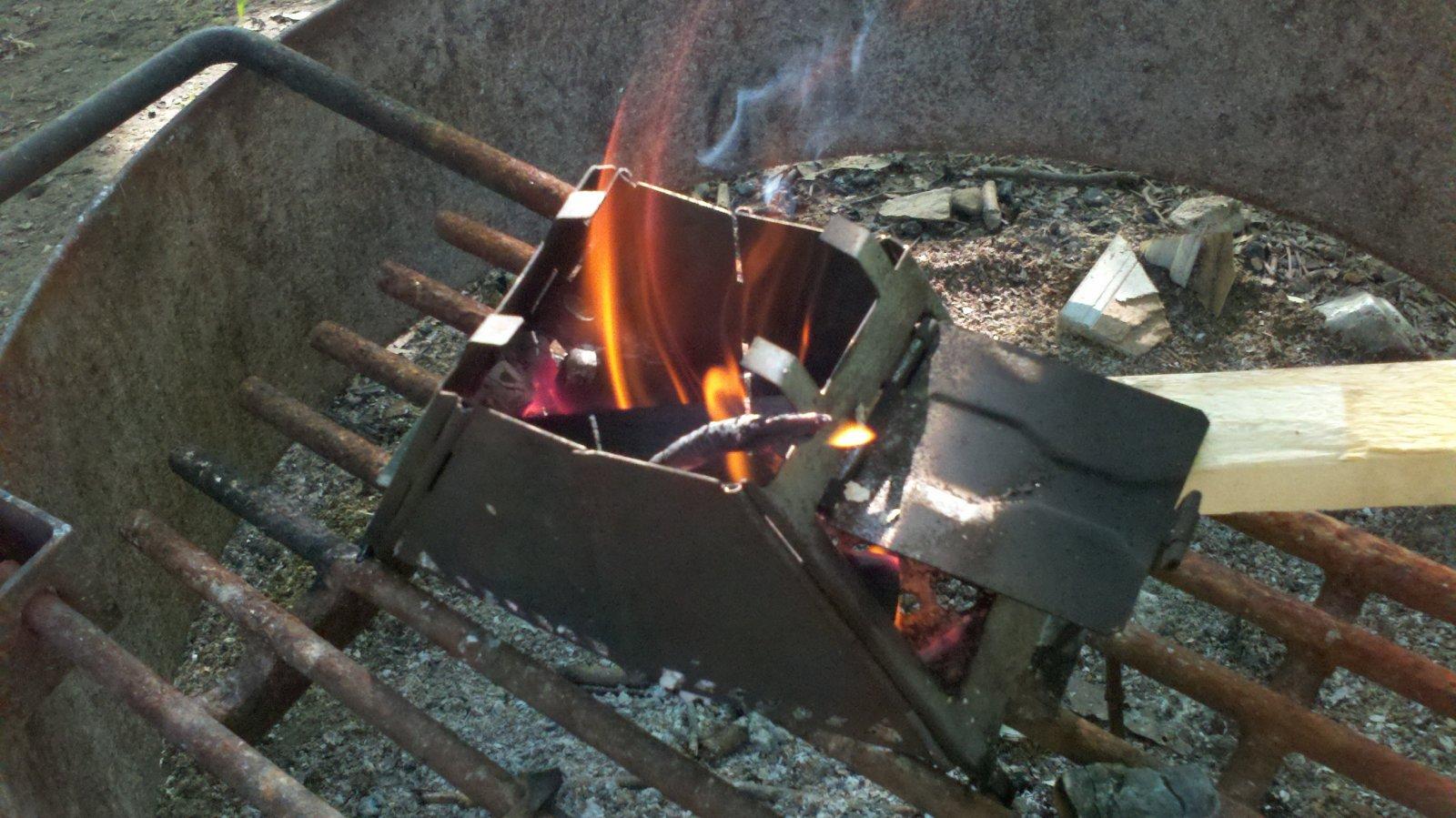 Click image for larger version  Name:Pocket stove Barkcamp State Park.jpg Views:37 Size:257.7 KB ID:41926