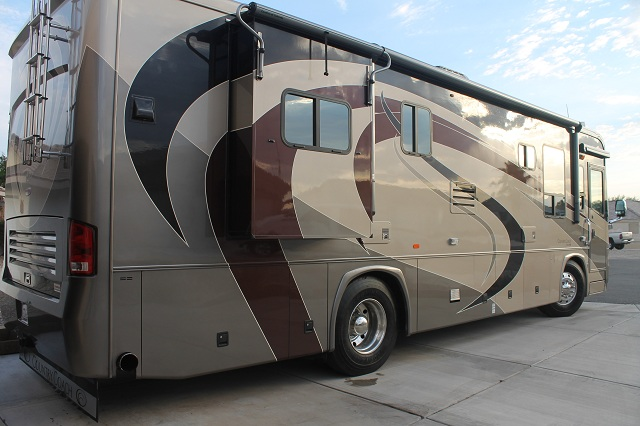 Click image for larger version  Name:Country Coach 001 Small.jpg Views:262 Size:109.6 KB ID:43020
