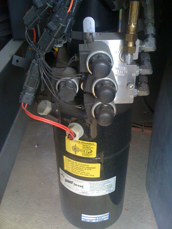 Adding new fluid to power gear levelors - iRV2 Forums