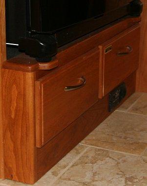 Click image for larger version  Name:fridge_ped.jpg Views:76 Size:165.6 KB ID:4479