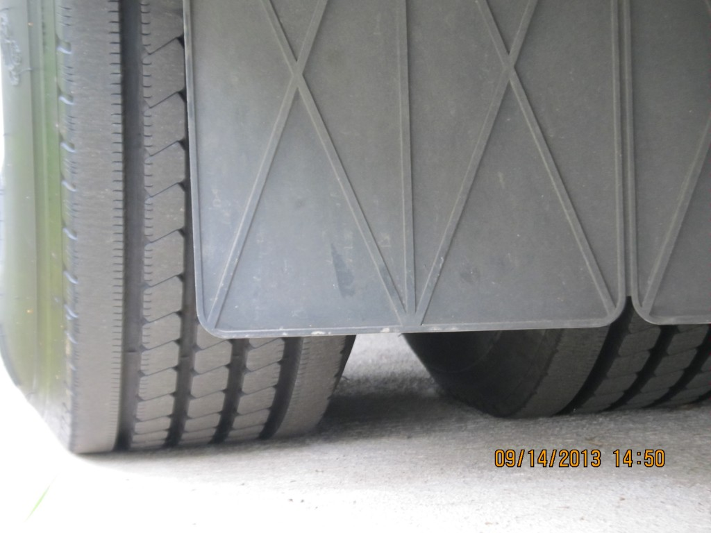 Click image for larger version  Name:mudflap_attachment.jpg Views:103 Size:111.4 KB ID:46086