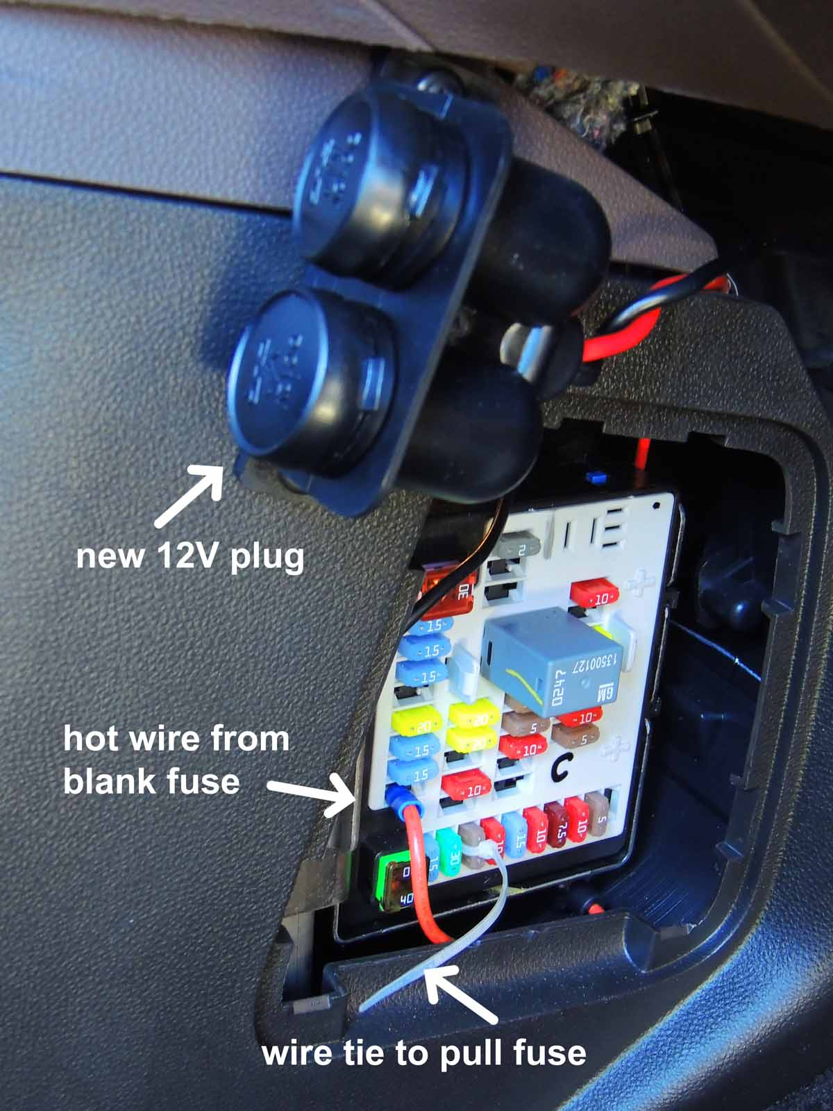 Click image for larger version  Name:Fuse Panel.jpg Views:255 Size:160.3 KB ID:49453