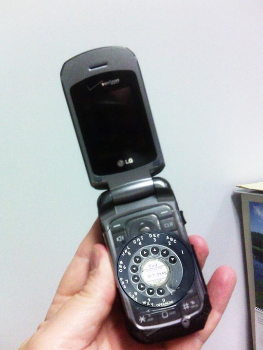 Click image for larger version  Name:Cell phone for Seniors.jpg Views:108 Size:53.5 KB ID:50921