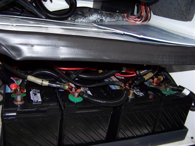 Click image for larger version  Name:Revolution battery compartment 003 (Small).JPG Views:57 Size:68.0 KB ID:51721