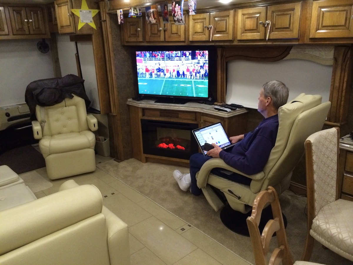 Click image for larger version  Name:Jim Watching Auburn FSU in on our 42 inch Living Room TV.jpg Views:149 Size:342.7 KB ID:53480