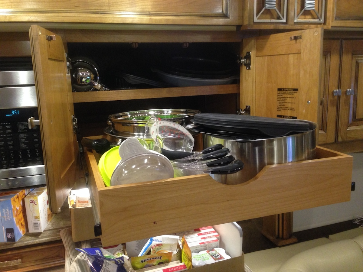 Click image for larger version  Name:Overhead Kitchen Cabinet with Rollout Drawer.jpg Views:111 Size:376.1 KB ID:53487