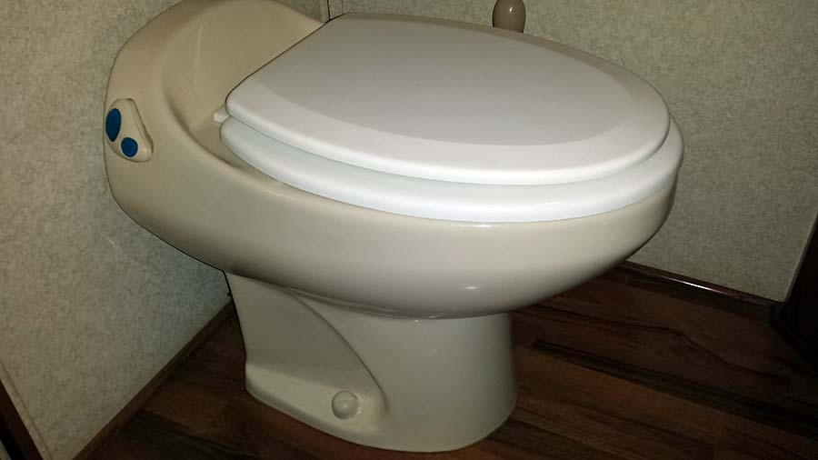 Click image for larger version  Name:Toilet1.jpg Views:57 Size:57.7 KB ID:53863