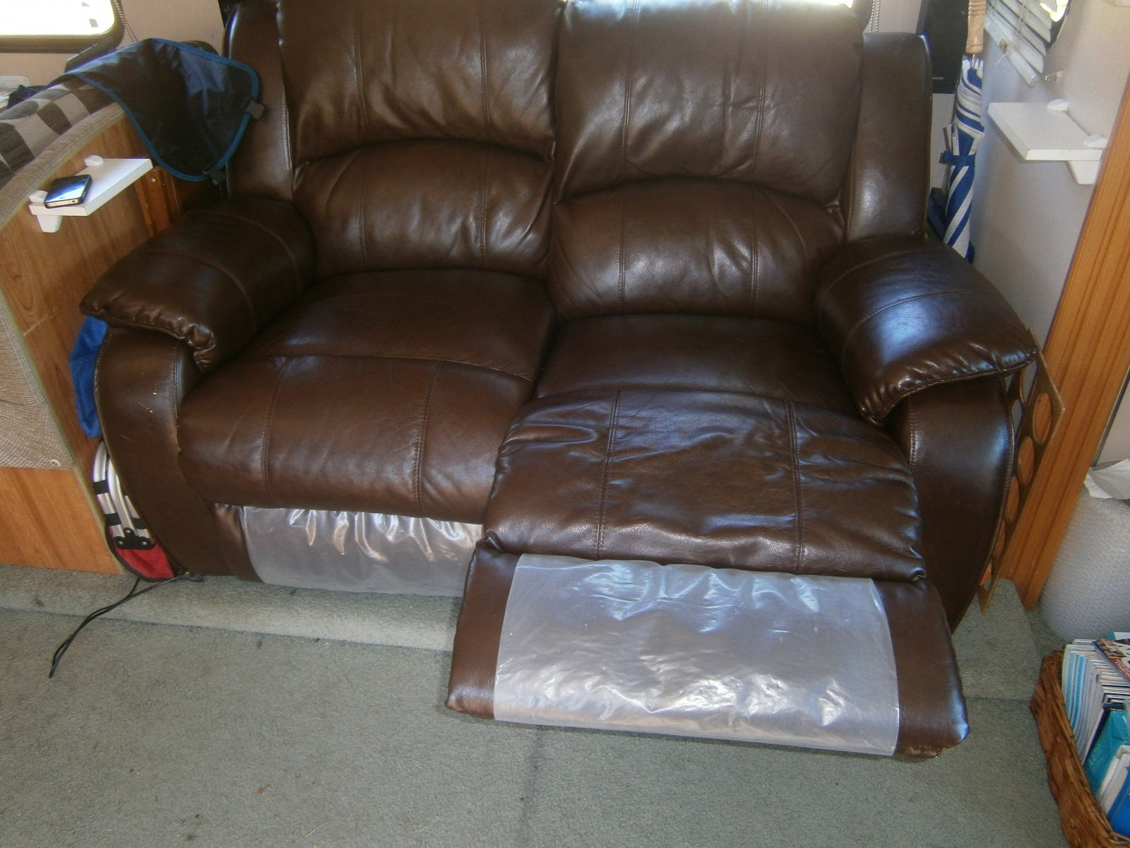 Click image for larger version  Name:Couch.jpg Views:87 Size:288.3 KB ID:55805