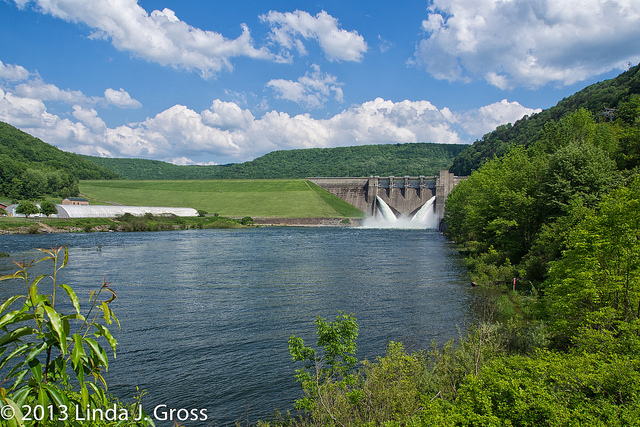 Click image for larger version  Name:Dam -2.jpg Views:74 Size:259.4 KB ID:56151