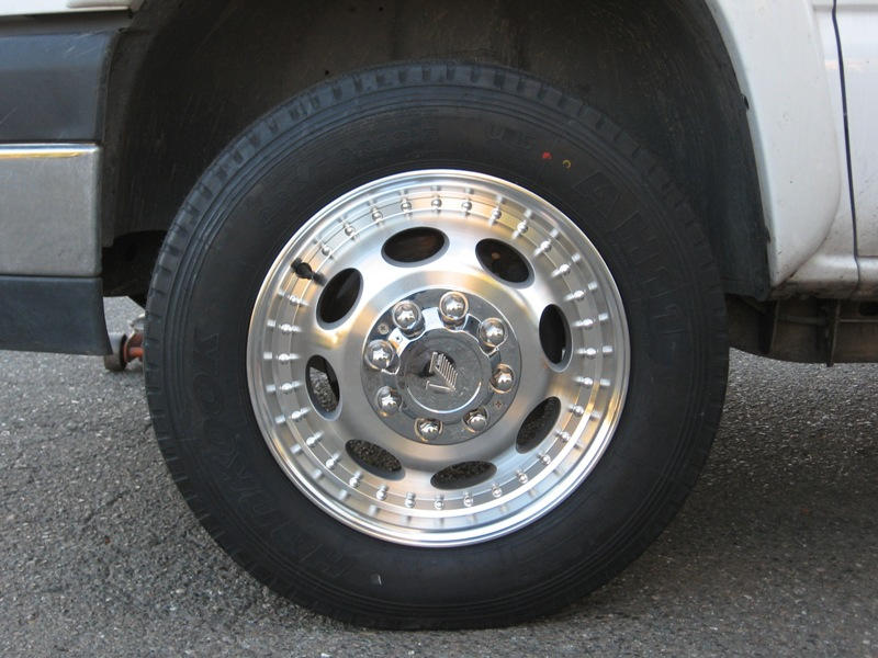 Click image for larger version  Name:Resize of front left tire.jpg Views:99 Size:149.0 KB ID:5686