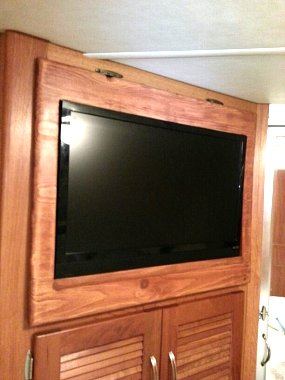 Click image for larger version  Name:Rear 24 inch LED Smart TV.jpg Views:143 Size:151.9 KB ID:58006
