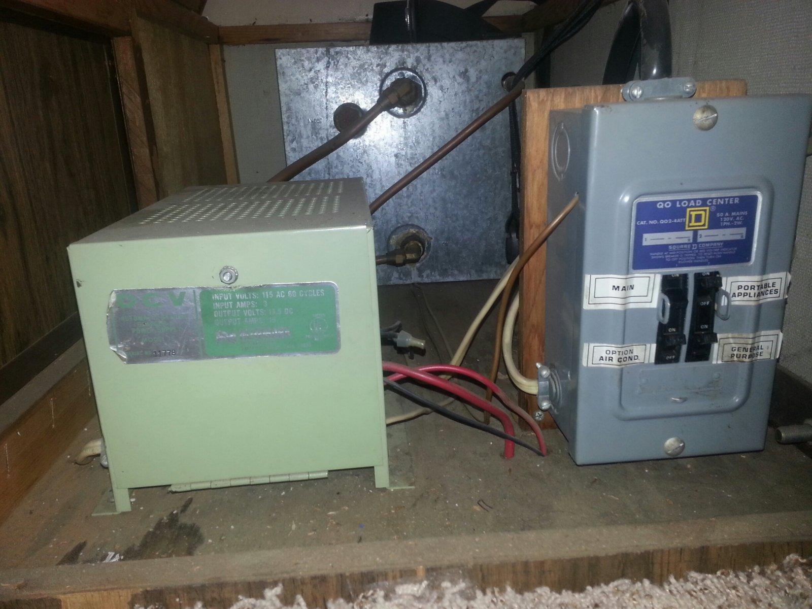 Click image for larger version  Name:Convertor and breaker box.jpg Views:253 Size:248.7 KB ID:60186