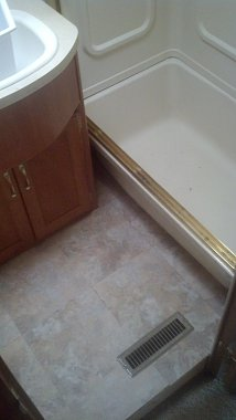 Click image for larger version  Name:Bathroom6.jpg Views:104 Size:132.4 KB ID:62060