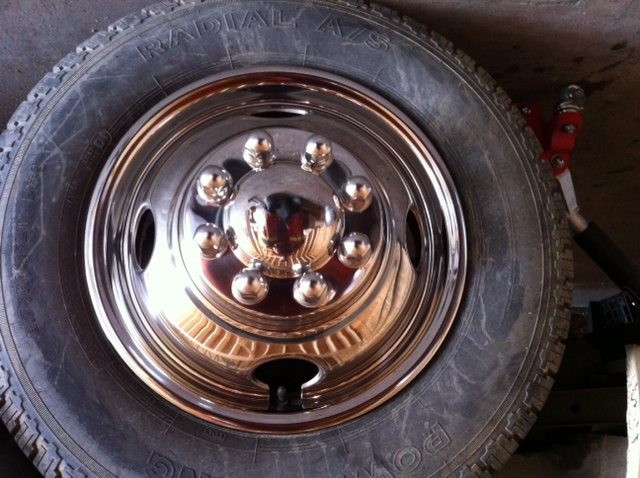 Click image for larger version  Name:1979 Vangaurd frt wheel chrome.JPG Views:89 Size:148.2 KB ID:62262