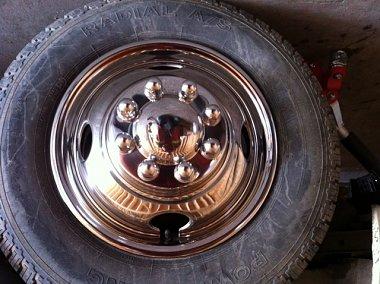 Click image for larger version  Name:1979 Vangaurd frt wheel chrome.JPG Views:98 Size:148.2 KB ID:62262