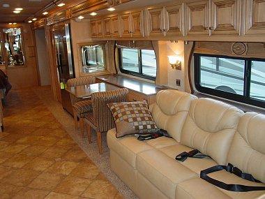 Click image for larger version  Name:M11 - Roadside livingroom and dinette.jpg Views:262 Size:212.4 KB ID:6243