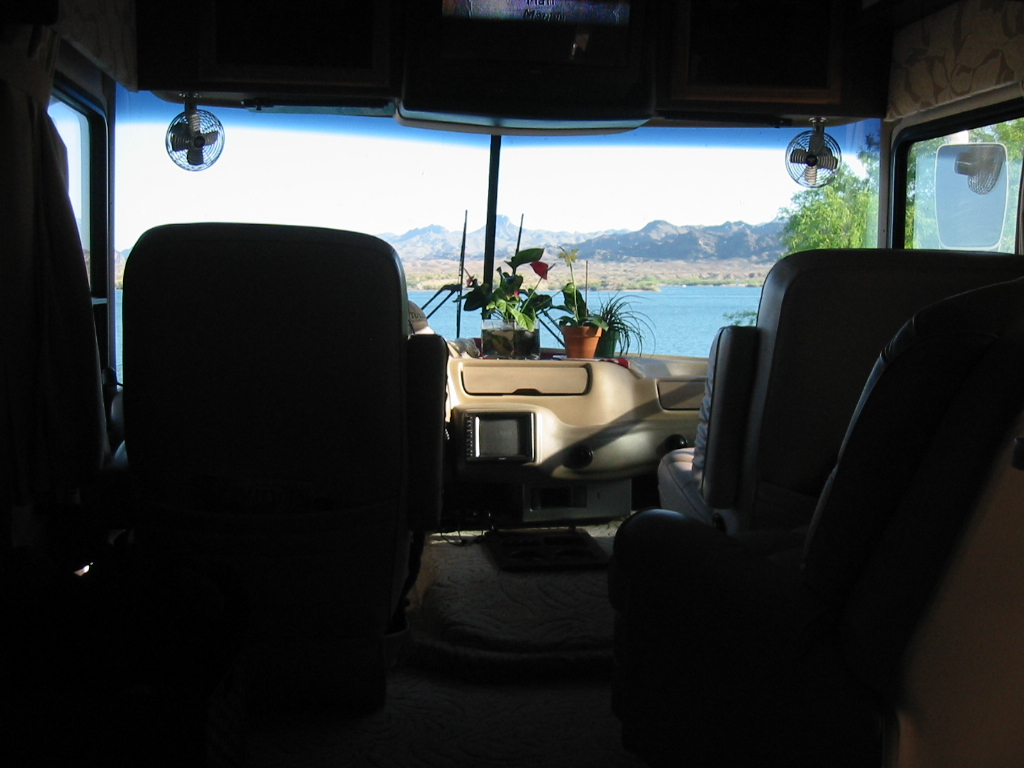 Click image for larger version  Name:Lake Havasu 08.jpg Views:199 Size:235.6 KB ID:70050