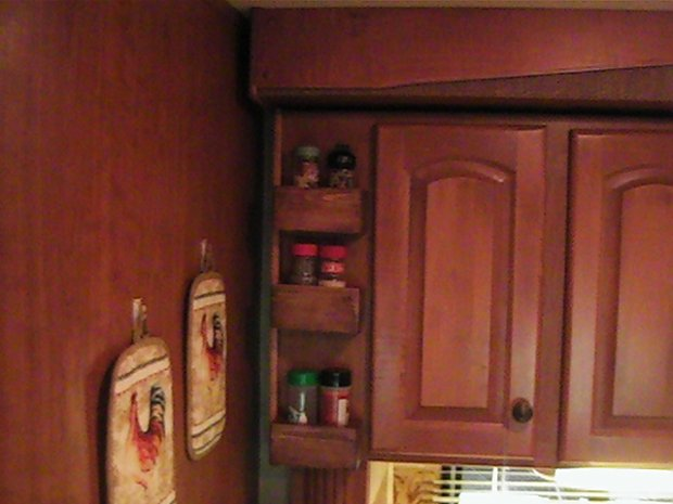 Click image for larger version  Name:New Spice Racks5.jpg Views:88 Size:42.5 KB ID:717
