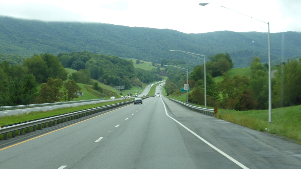 Click image for larger version  Name:VA mountains I77 - Copy.JPG Views:137 Size:306.5 KB ID:73778
