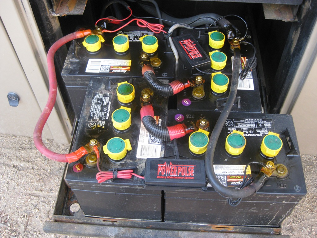 Click image for larger version  Name:Battery Bank - House GC2.JPG Views:247 Size:291.2 KB ID:74619