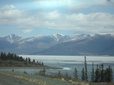 Click image for larger version  Name:Frozen portion of Kluane Lake.jpg Views:111 Size:198.6 KB ID:74915