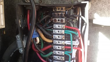 Click image for larger version  Name:Transfer Switch Box.jpg Views:753 Size:190.9 KB ID:75330