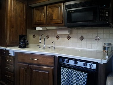 Click image for larger version  Name:Kitchen 2.jpg Views:55 Size:242.2 KB ID:77561