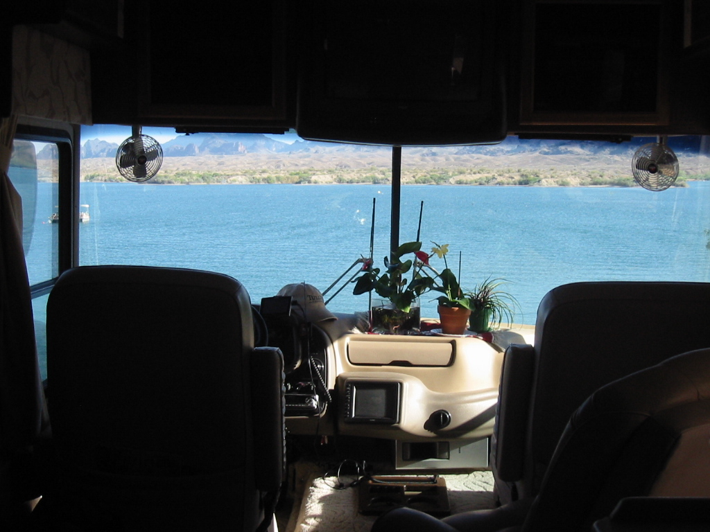 Click image for larger version  Name:Lake Havasu 08 020.jpg Views:150 Size:291.6 KB ID:79676
