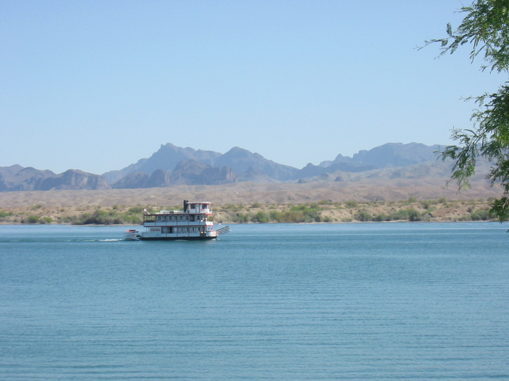 Click image for larger version  Name:Lake Havasu 08 018.jpg Views:142 Size:326.6 KB ID:79678
