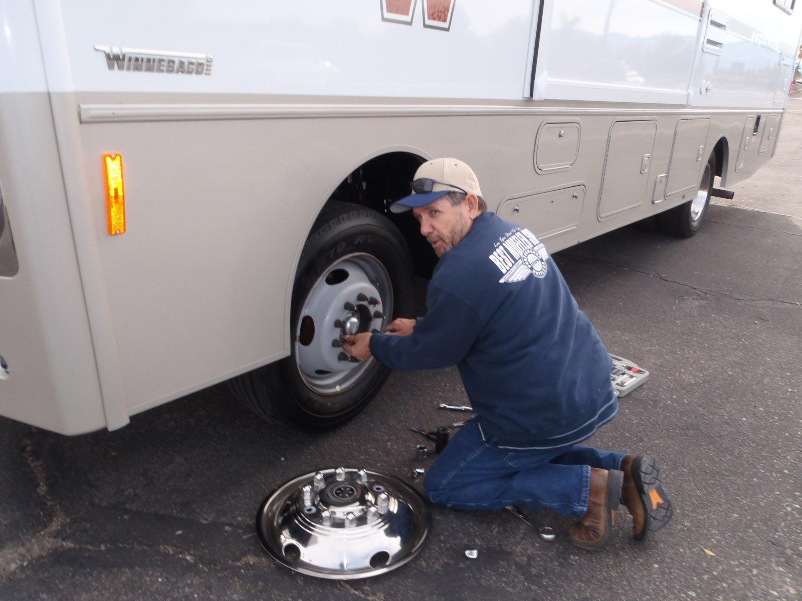 Click image for larger version  Name:winnabago wheel bearing 005.jpg Views:140 Size:216.7 KB ID:81644