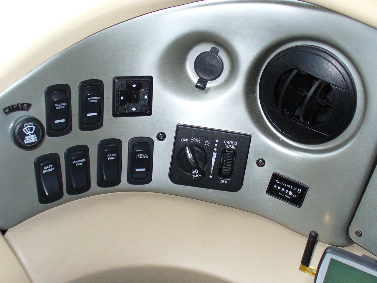 Click image for larger version  Name:Headlight switch 001.jpg Views:100 Size:624.0 KB ID:82178