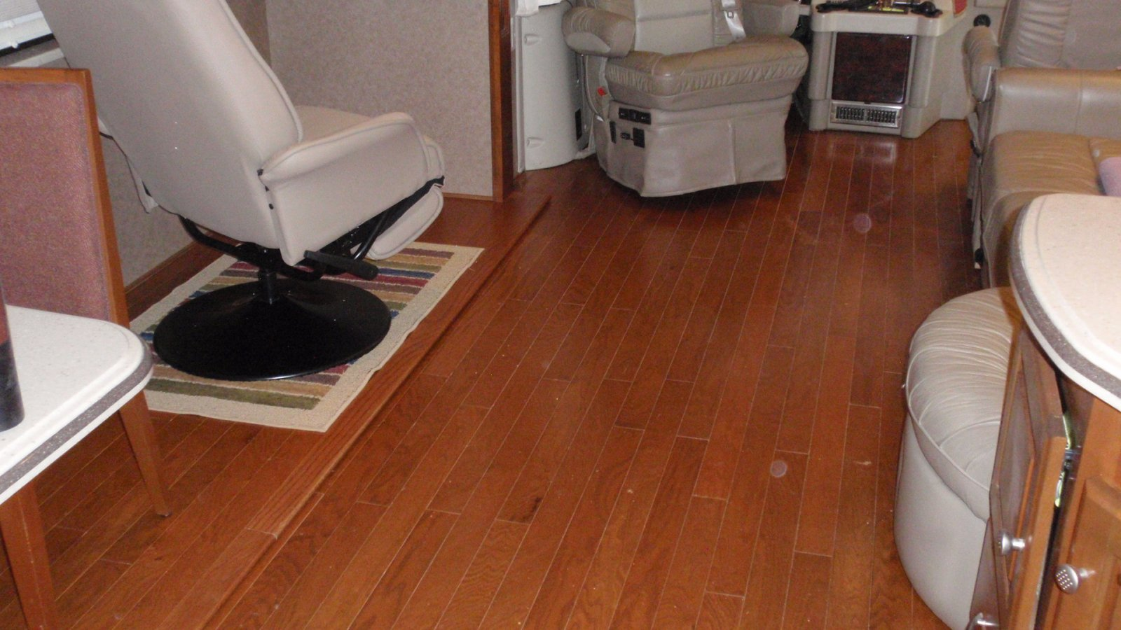 Click image for larger version  Name:H wood Floor (9).jpg Views:316 Size:222.6 KB ID:83837