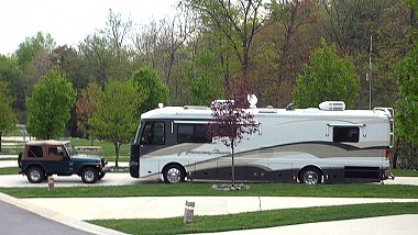 Click image for larger version  Name:Motorhome and jeep.jpg Views:165 Size:709.0 KB ID:87679