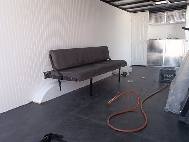 Click image for larger version  Name:trailer sofa 001.jpg Views:60 Size:213.8 KB ID:89936